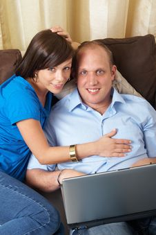Free Couple On Laptop Stock Images - 8199884