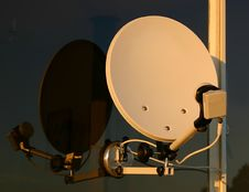 Free Portable Satellite Dish Stock Photography - 820912