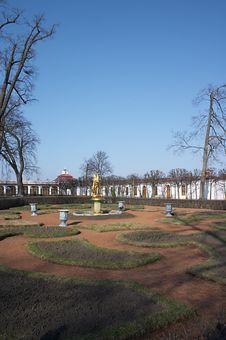 Free Peterhof Parks And Palaces Stock Photos - 823263