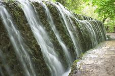 Free Waterfall Royalty Free Stock Image - 823606
