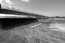 Free Lengthy Dam Stock Image - 825201
