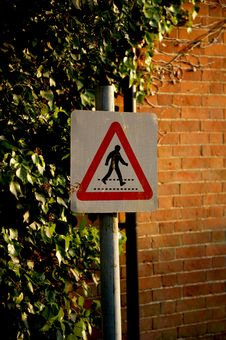 Free Warning Sign Royalty Free Stock Photography - 826837