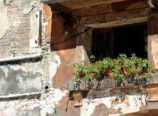 Free Italian Window Royalty Free Stock Photo - 8206375