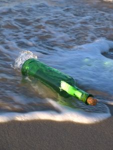 Free Message In A Bottle Stock Photo - 8208700