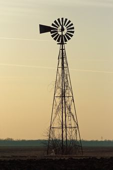 Free Prairie Windmill At Sunrise Stock Images - 8208924