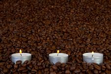 Free Candles In Coffee Beans Stock Photos - 8209033