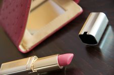 Free Rouge Lipstick And Mirror Royalty Free Stock Image - 8209496