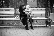 Free Mother With Baby Stock Photography - 8216882