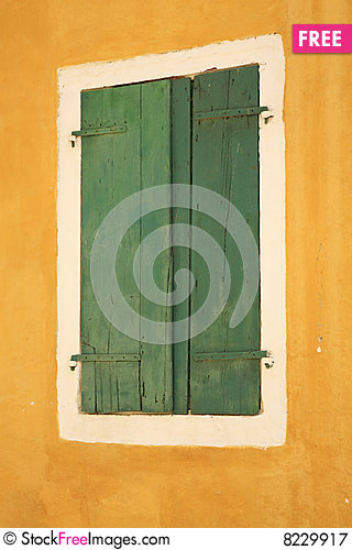 Free Green Window Shutters Royalty Free Stock Photography - 8229917