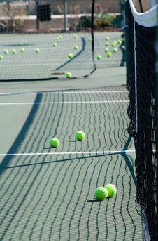 Free Tennis Balls And Net Stock Photos - 8228683