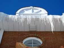 Free A House With Icicles Royalty Free Stock Photo - 8232155