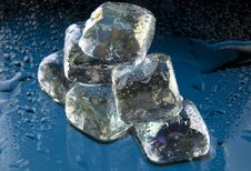 Free Ice Cubes Pyramid Royalty Free Stock Photography - 8234487