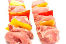 Free Raw Meat On Skewers Royalty Free Stock Photography - 8234567
