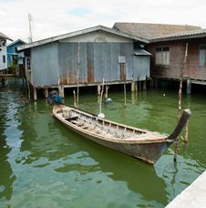 Free Muslim Floating Village Boat Royalty Free Stock Images - 8237069