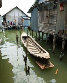 Free Muslim Floating Village Boat Vertical Stock Photos - 8237073