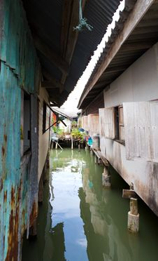 Free Muslim Floating Village Houses Stock Images - 8237074