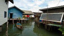Free Muslim Floating Village Moorage Stock Photos - 8237083