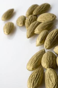 Free Golden Almonds Royalty Free Stock Photography - 8242367