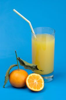 Free Tangerines And Juice From Tangerines Royalty Free Stock Image - 8242976