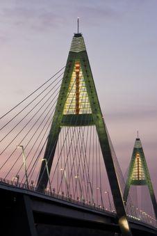 Free Modern Bridge Stock Photos - 8247033