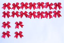 Free Red Bows. Stock Images - 8249494
