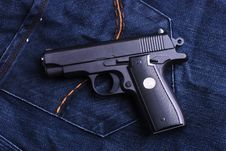 Free Pistol Royalty Free Stock Images - 8254529