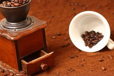 Free Coffee Grinder Royalty Free Stock Image - 8259266