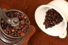 Free Coffee Grinder Royalty Free Stock Images - 8259269