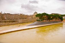 Free Isola Tiberina In Rome, Italy Stock Images - 8261584