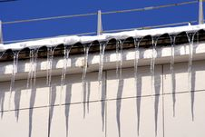 Free Icecles On The Roof Of Building -3 Royalty Free Stock Photos - 8269788