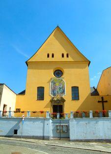 Free Yellow Church Stock Photography - 8271322
