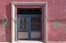 Free Blue Windows, Pink Walls And White Trim Stock Image - 8273271