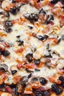 Free Pizza Closeup Stock Photography - 8273932