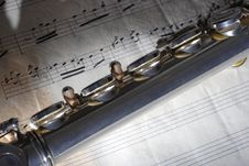 Free Flute And Old Sheet Music Royalty Free Stock Photography - 8275887
