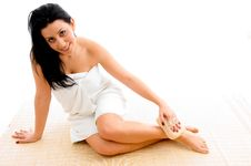 Free Front View Of Woman Scrubbing Her Leg Royalty Free Stock Image - 8275936