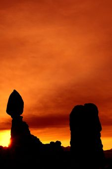 Free Balanced Rock At Dawn Stock Photo - 8280400