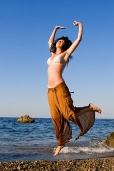 Free Happy Woman Dance In The Beach Royalty Free Stock Photos - 8280948