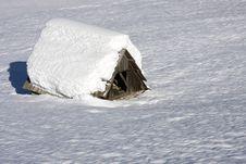 Free Hut In Winter Stock Photos - 8281213