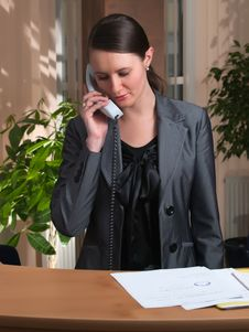 Free Attractive Business Woman Having A Call Royalty Free Stock Photo - 8282195