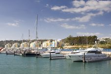 Free Yacth Dock Royalty Free Stock Image - 8285276