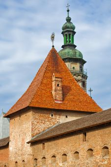 Free Old Fortress Tower Against Blue Sky Royalty Free Stock Photography - 8287317