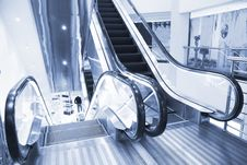 Free Escalator Royalty Free Stock Photography - 8287487