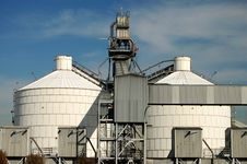 Free Tanks At A Refinery Stock Photos - 8287713