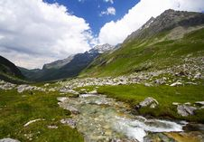 Free Mountain In Summer Royalty Free Stock Photography - 8289397