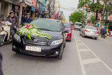 Free Flowers On Hood Of Car Stock Image - 82891841