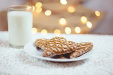Free Gingerbread Cookies And Milk Stock Photography - 82895062