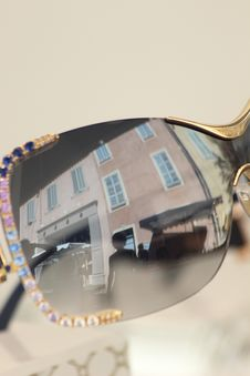 Free CAMILLE MORENOS - Reflet Dans La Rue Stock Photography - 82897102
