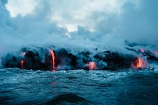 Free Lava Flow Into Water Royalty Free Stock Images - 82899369