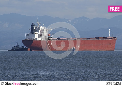 Free Cargo Ship Arriving Royalty Free Stock Photo - 8293425