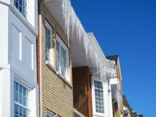 Free Homes With Icicles Stock Photos - 8292553